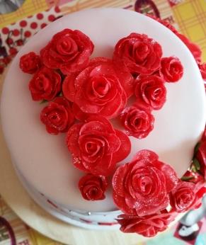 Bruidstaart rozen hartvorm