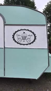 Het logo op onze foodtruck