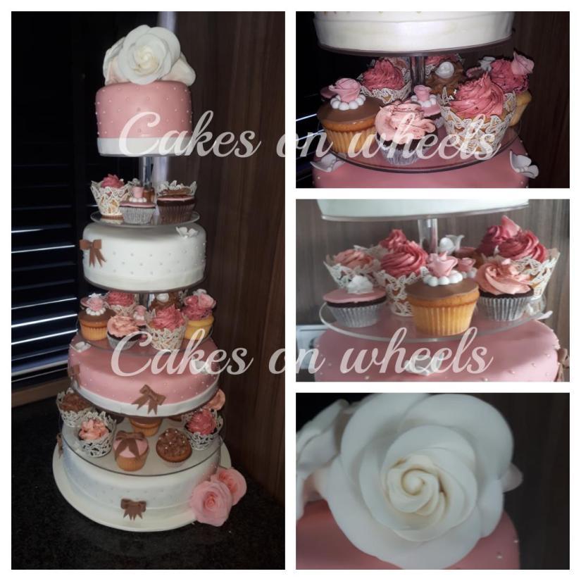 7 Lagen Bruidstaart met cupcakes