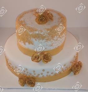 Bruidstaart in Wit en Gouden accenten