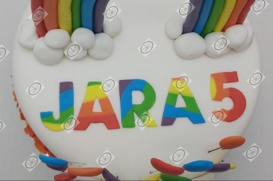 K3 regenboog taart