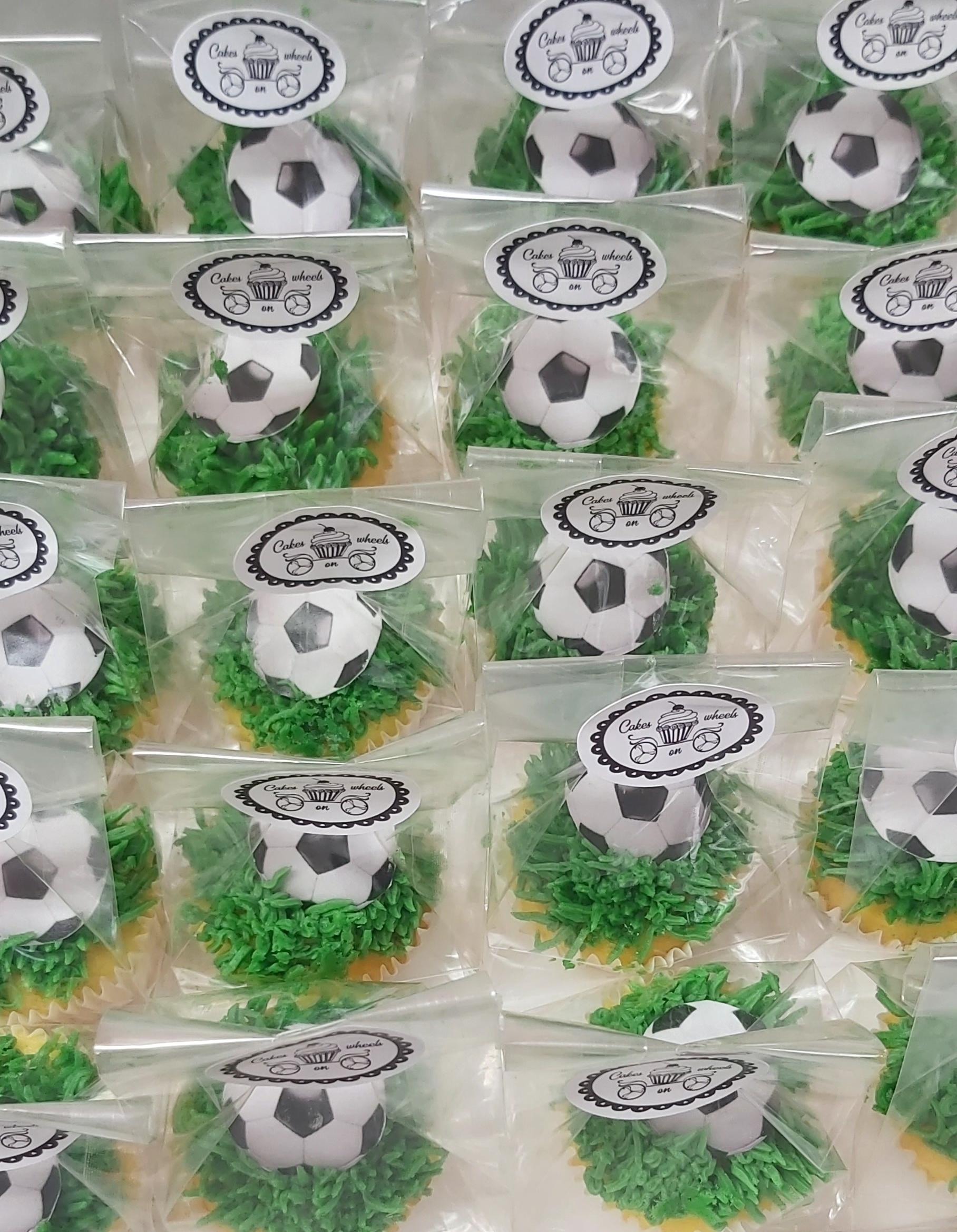 Voetbal mini cupcakes